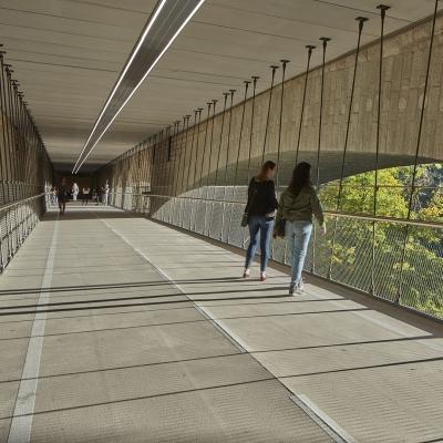 Passerelle cycliste sous le Pont Adolphe